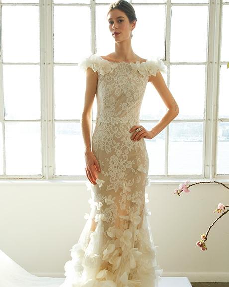 Gown Marchesa |Photo: Gerardo Somoza /  Indigitalimages.com