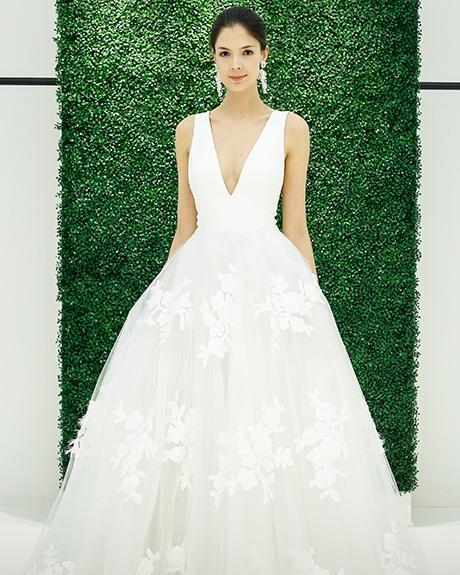 Wedding dress by   Sachin & Babi | Photo: Luca Tombolini / Indigitalimages.com
