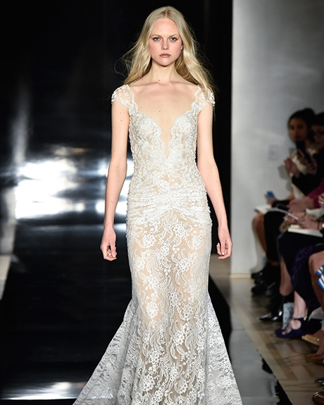 Gown Reem Acra  | Photo: Rodin Banica /  Indigitalimages.com