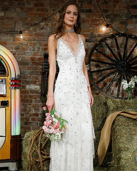 Wedding dress by   Jenny Packham | Photo: Luca Tombolini / Indigitalimages.com