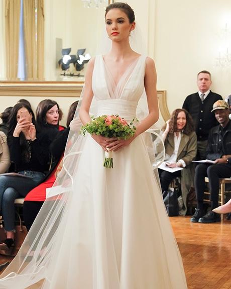 Gown Peter Langner | Photo: Gerardo Somoza /  Indigitalimages.com