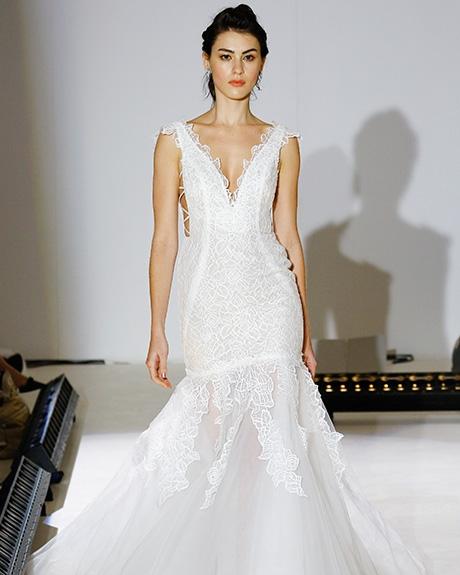 Gown Hayley Paige | Photo: Gerardo Somoza & Luca Tombolini /  Indigitalimages.com