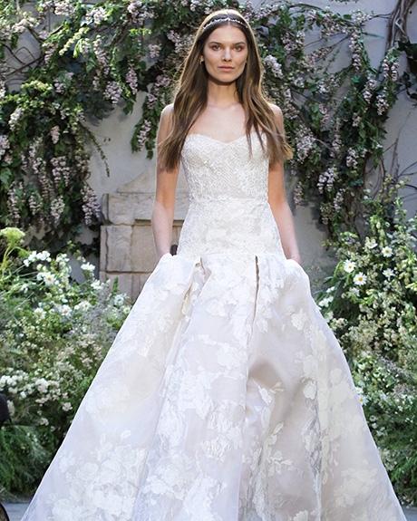 Gown Monique Lhuillier | Photo: Gerardo Somoza /  Indigitalimages.com
