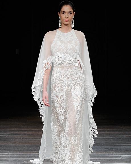 Gown Naeem Khan | Photo: Gerardo Somoza /  Indigitalimages.com
