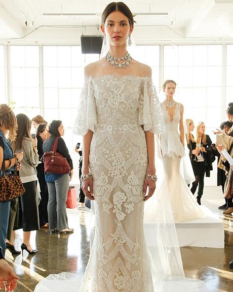 Gown   Marchesa  | Photo:  Indigitalimages.com