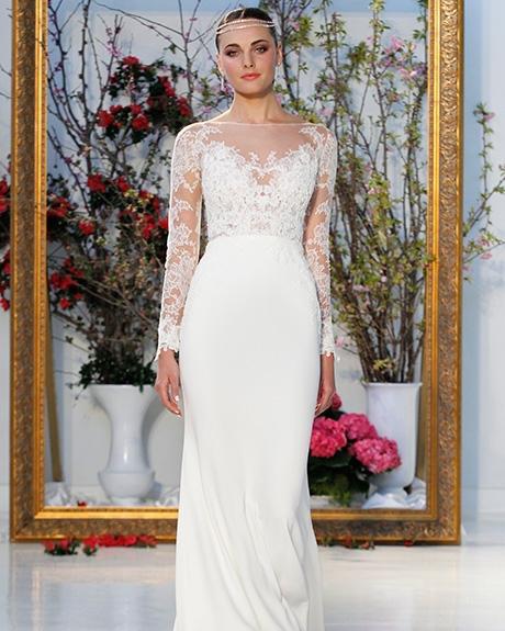 Wedding dress by Anne Barge | Photo: Gerardo Somoza  Indigitalimages.com
