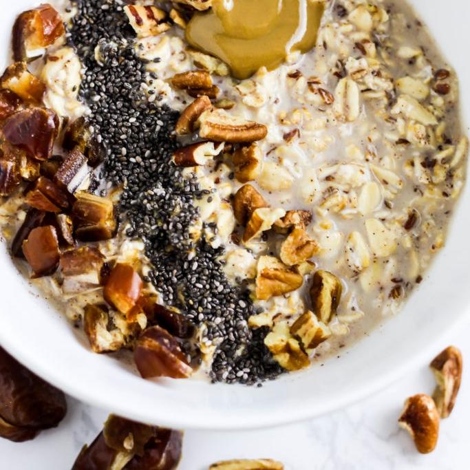 date-pecan-oatmeal-vegan-gluten-free-healthy-breakfast-2-683x1024.jpg