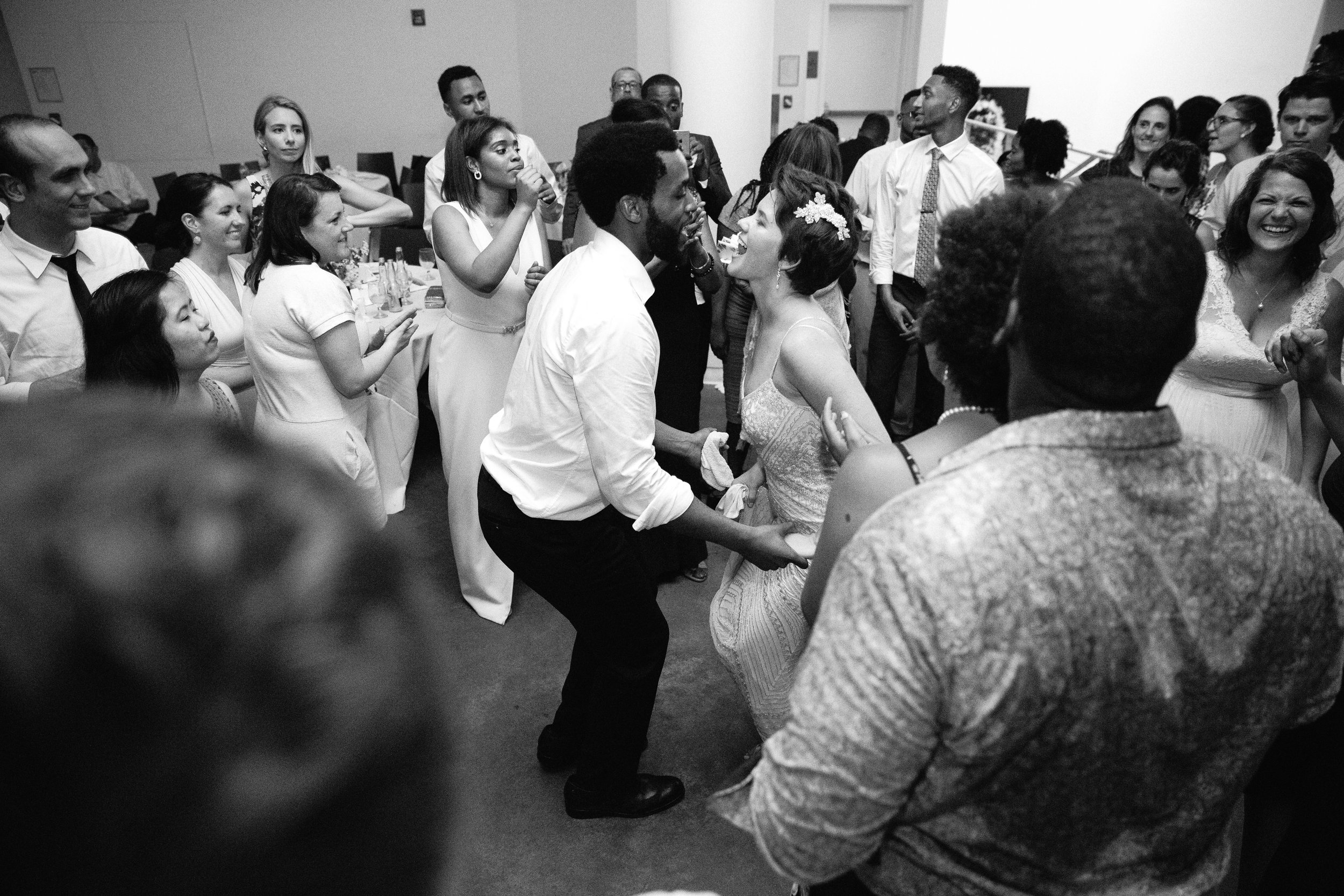 Sarah+Paul - dancing-5.jpg