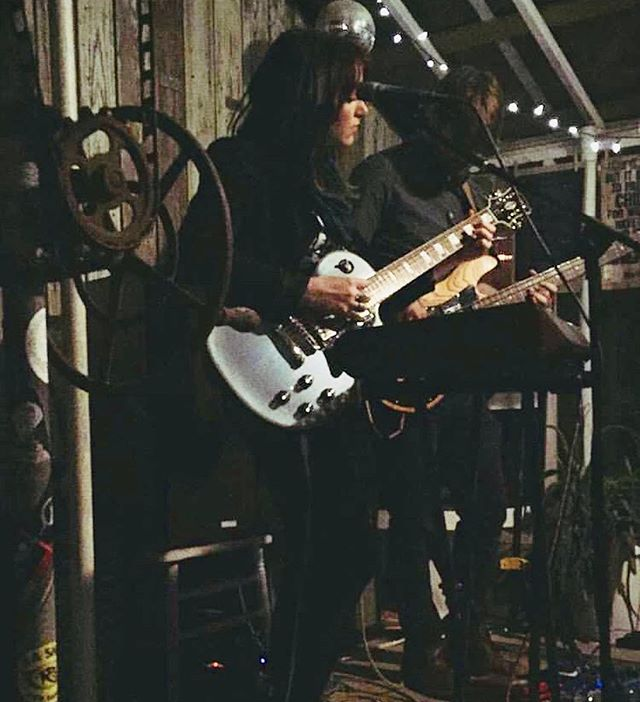@greenhouseonporter  1 • 26 • 19 📸: @mandarina_sharrow . . . #dellamemoria #originalmusic #indie #indiemusic #newmusic #songwriter #singersongwriter #synthpop #femalesinger #electric #electricguitar #bass #music