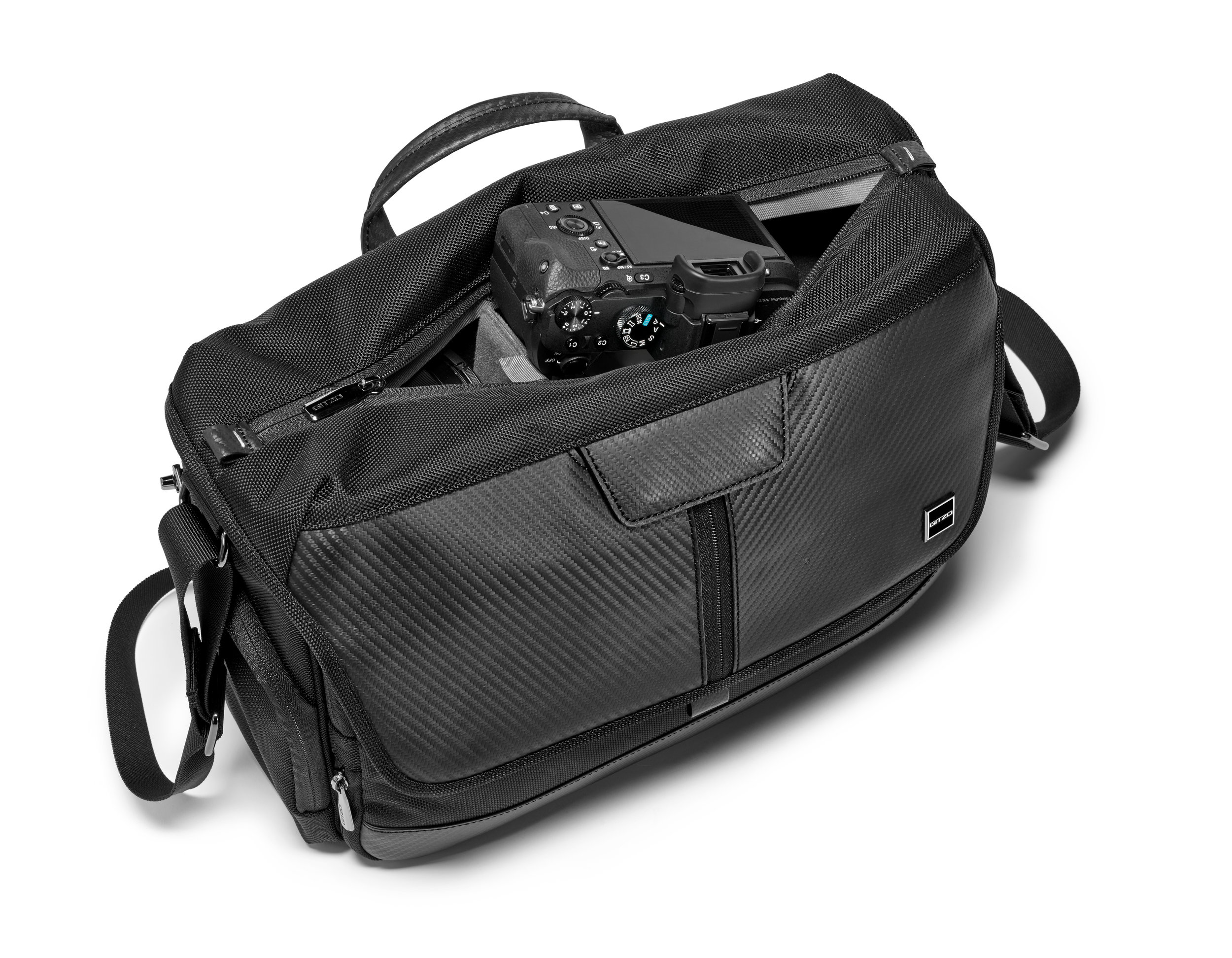 HR-GITZO_camera_bag_GCB100MM_quick access.jpg