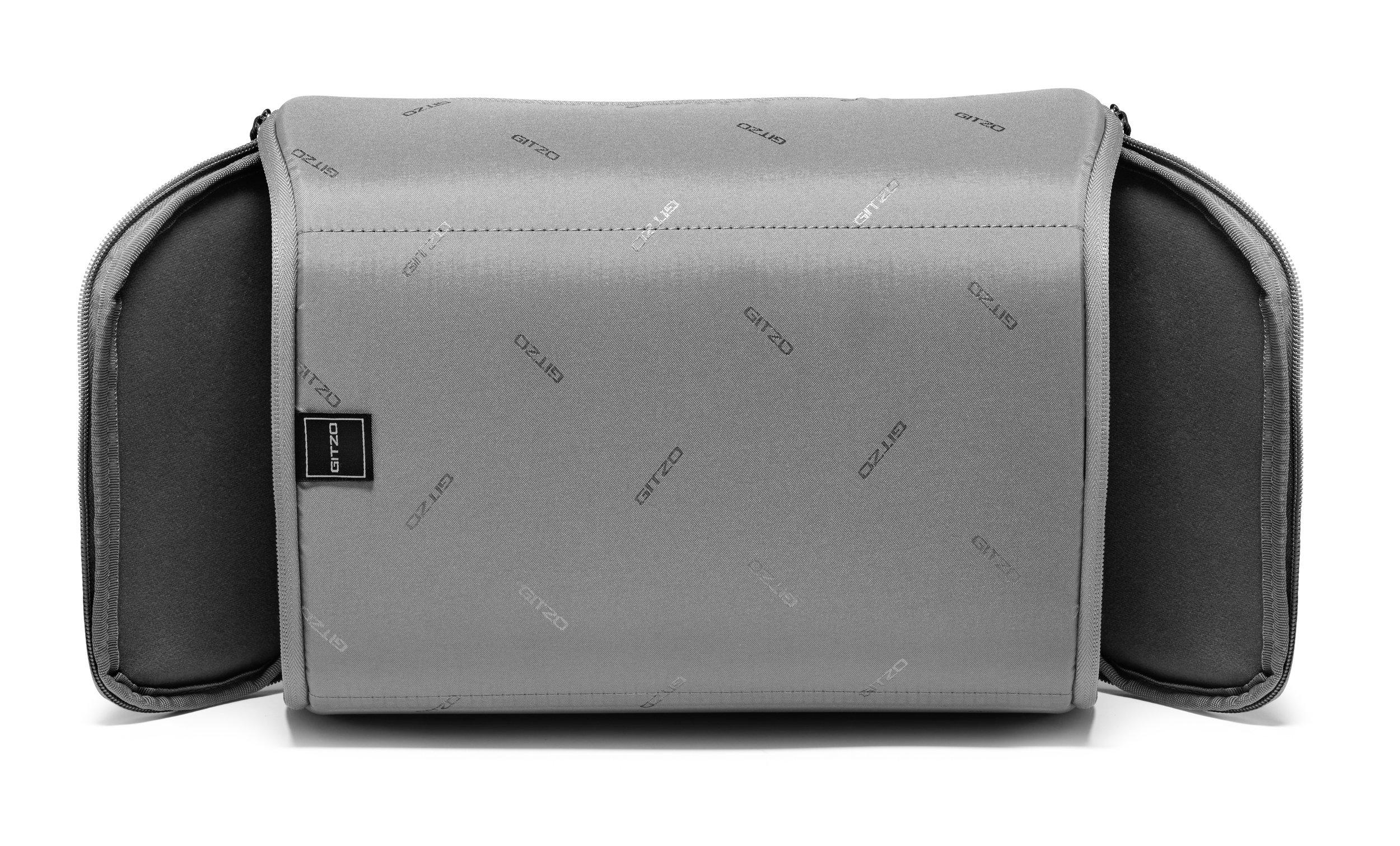 HR-GITZO_camera_bag_GCB100BP_front_pouch_B.jpg