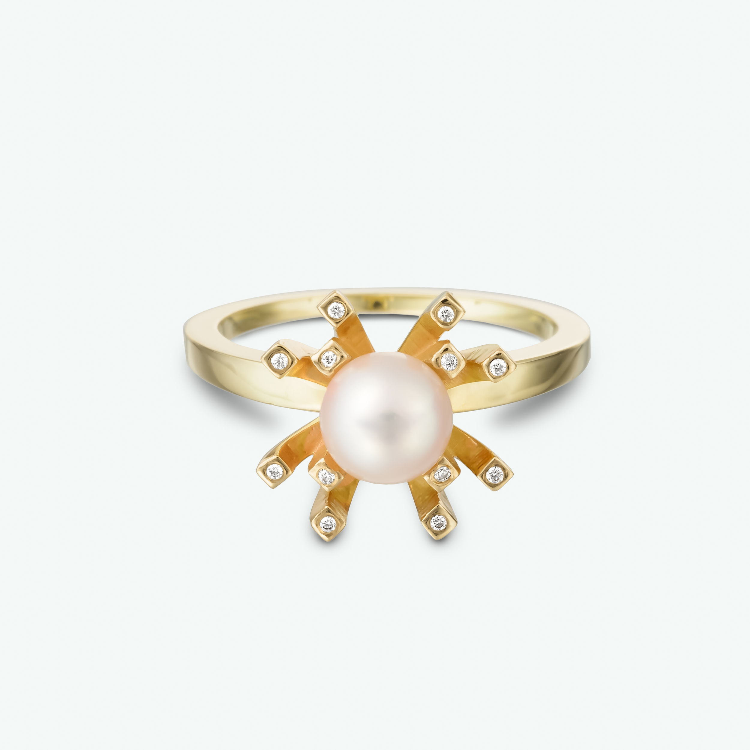This pearl and diamond ring features this lovely light pinkpearl within a brilliantyellow gold setting with sparkling diamond accents.       D: 0.06 ct. P: AAA Japanese akoya 6 mm.