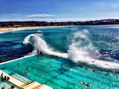 Fresh casual dining, great boutique shopping, the Bondi Iceberg pool and of course the beach. Nothing I want to do more than dive into that pool and nowhere I want to visit more the Australia.