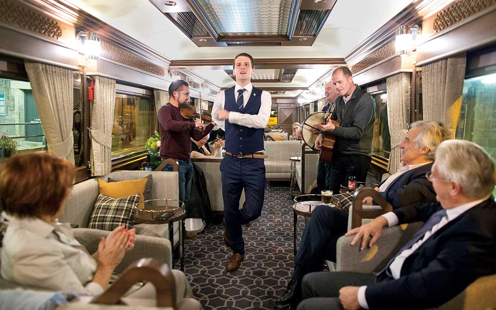 irish-jig-belmond-grand-hibernian-train-BUCKETTRAIN1117.jpg