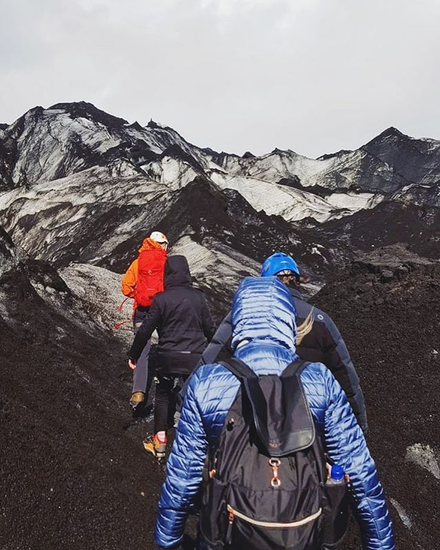 Hiking the Sólheinajökull Glacier in Iceland or hiking on the moon? 🌑🤔 📸: @kristianachoquet • • • • #solheimajokull #iceland #icelandscape #artisanalexplores #artisanalexp #virtuosotravel #ovationvacations #darlingescapes #traveling #travelgram #instatravel #wanderlust #travelphotography #adventuretravel #beautifulplaces #liveyourbestlife #finditliveit #bestoftheday