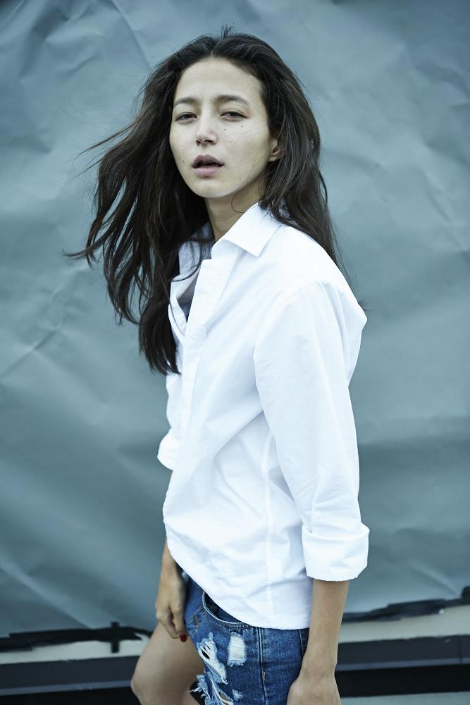 white t-shirt22898.jpg