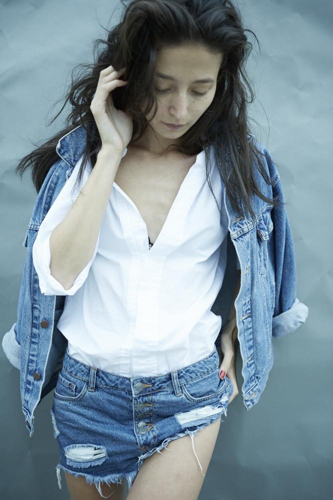 white t-shirt23363.jpg