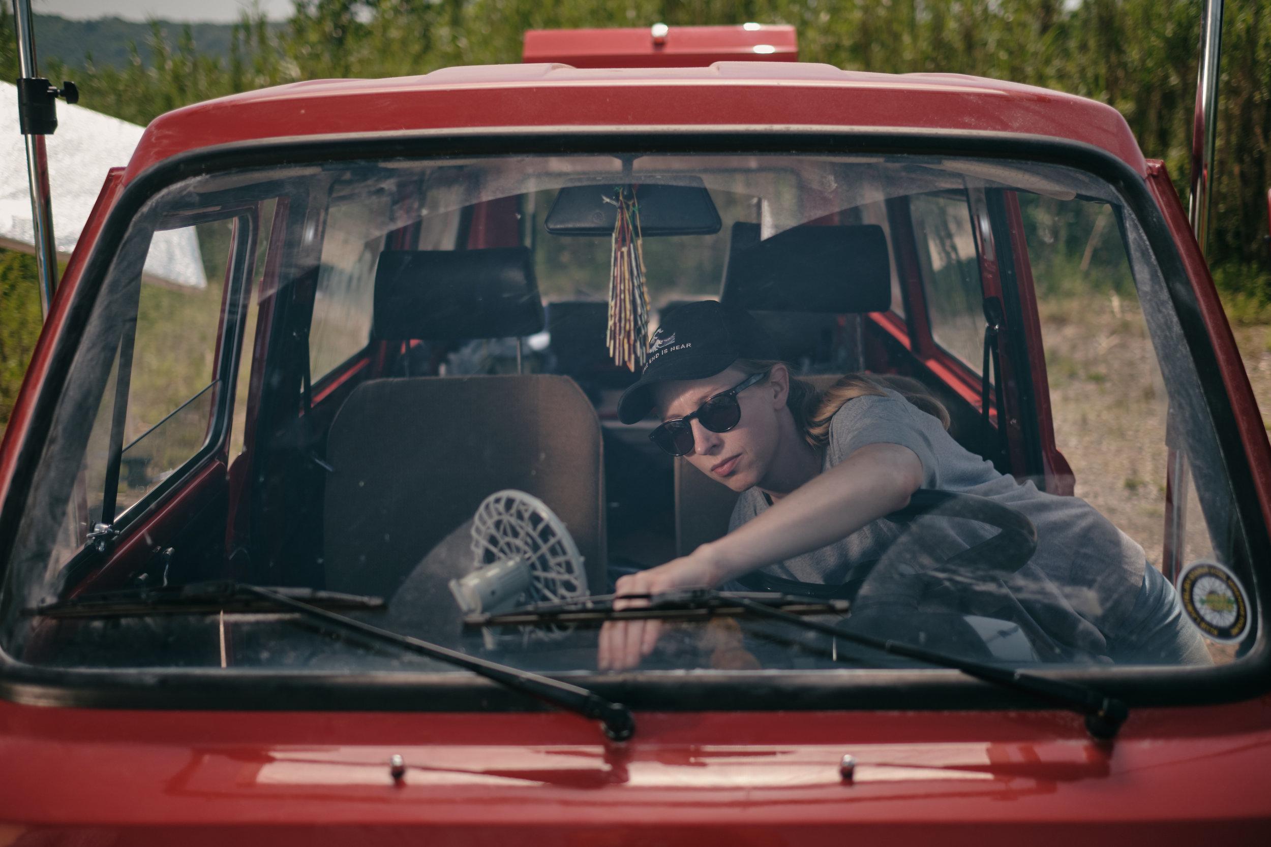 'Kratki rezi' (2019)    Production: EnaBanda    Director: Urban Zorko    DOP: Rok Nagode    In frame: set dresser Maja Savc