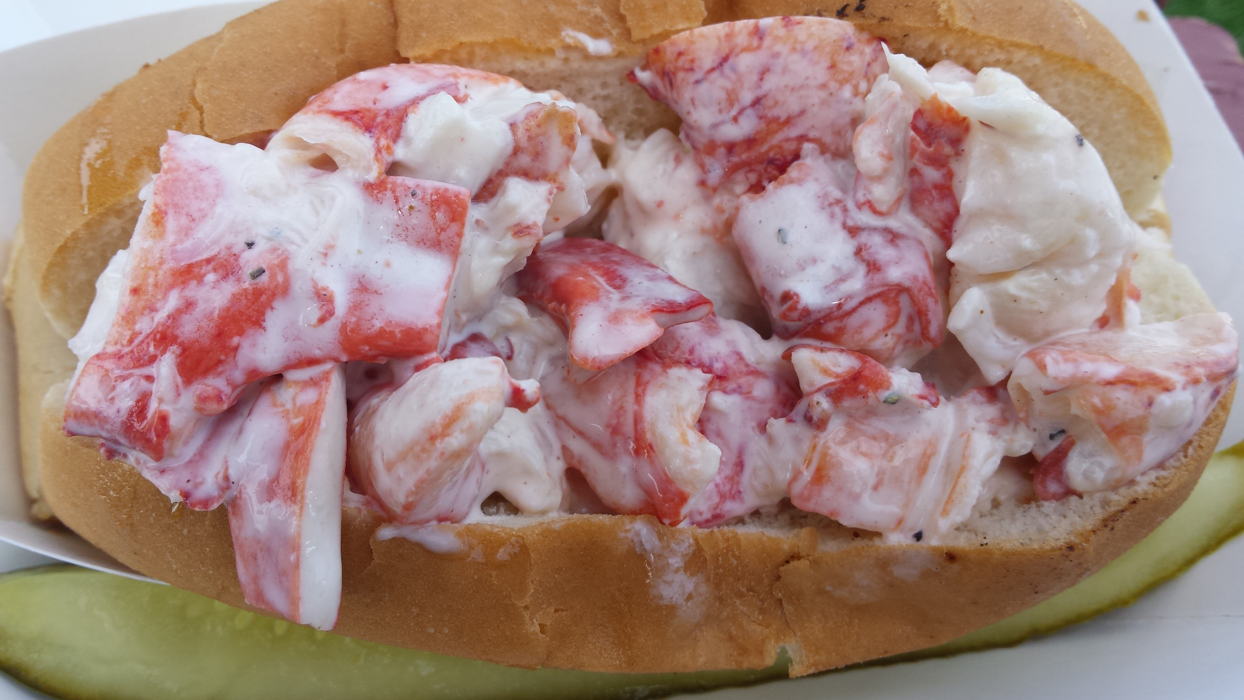 Classic New England Lobster Roll