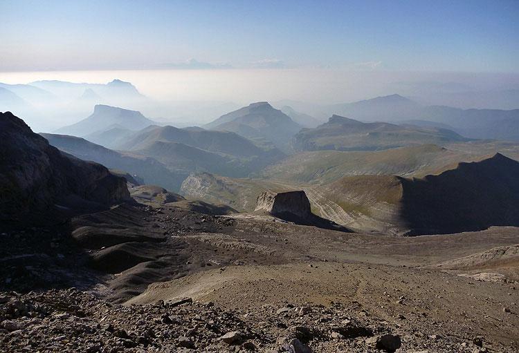 Vista sobre la Torre de Góriz y cañón de Añisclo    FOTO FGZ
