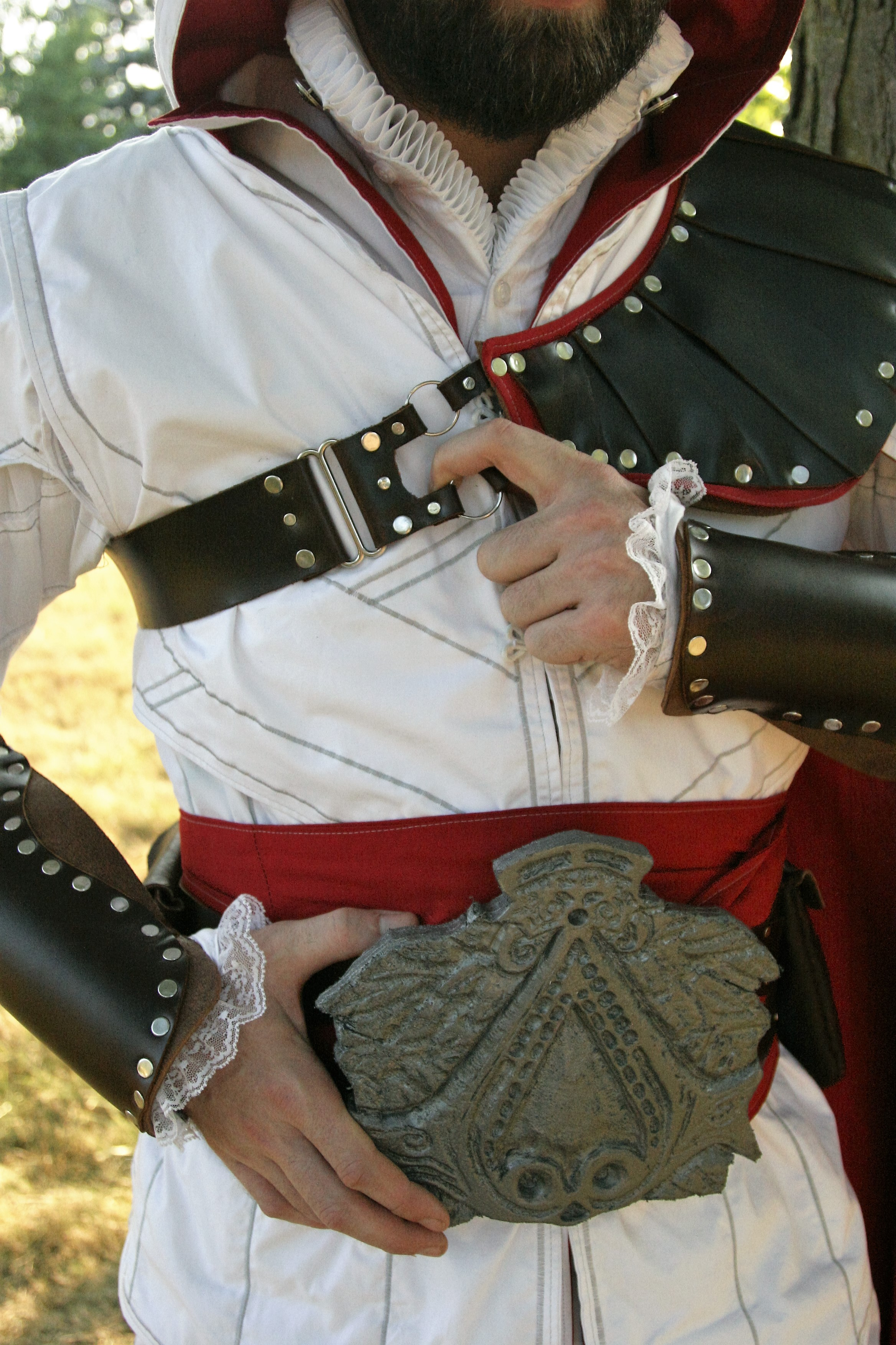 4 Ezio Belt and Bracers.JPG