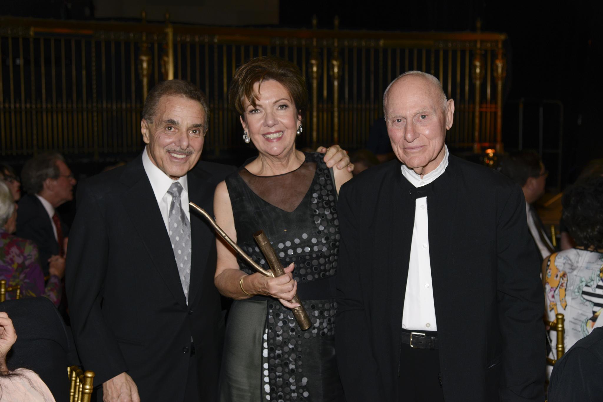 Len&Louise Riggio_RichardSerra_Skowhegan birch medal.jpg