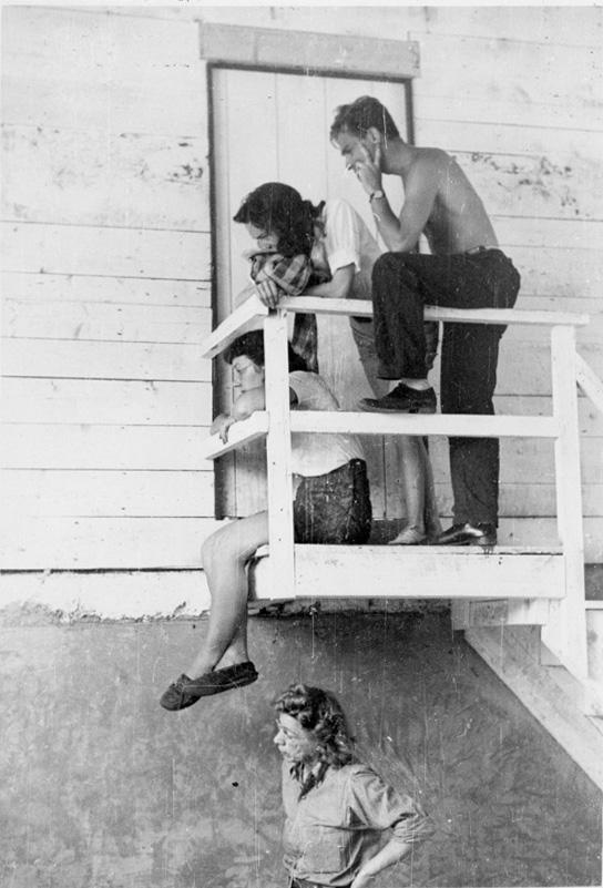 Critique, 1946