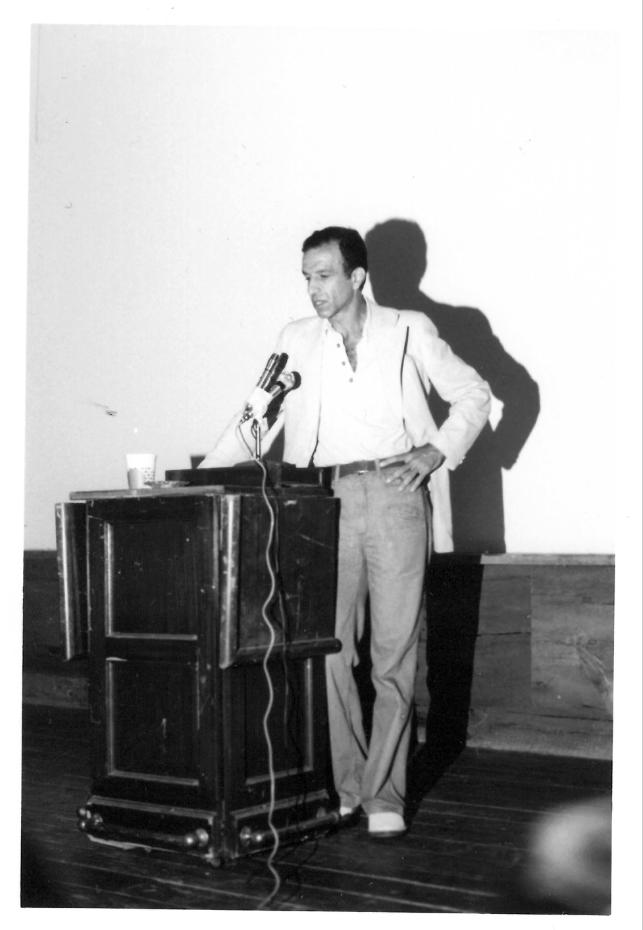 Alex Katz lecturing in 1975.