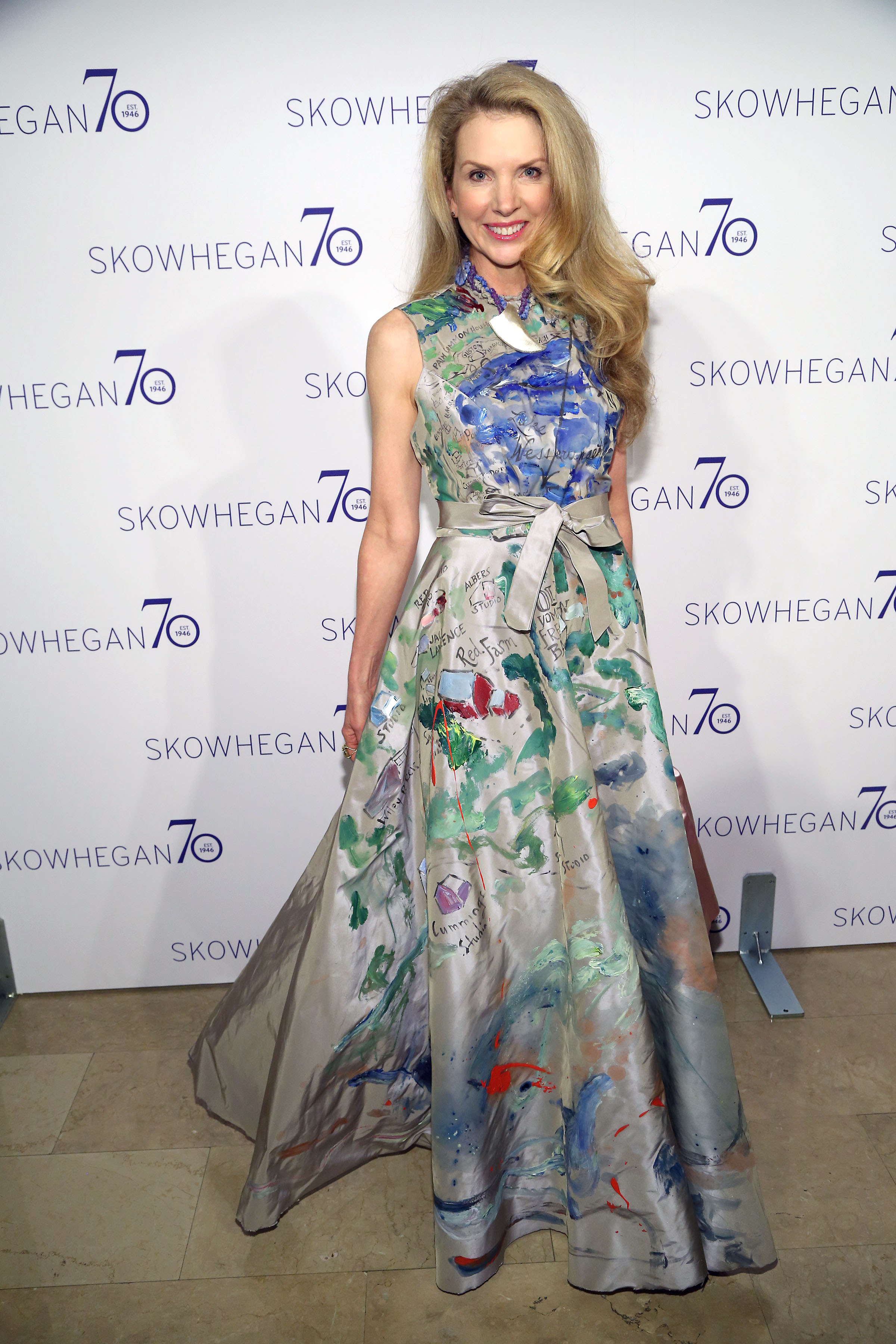 Laura Lobdell==