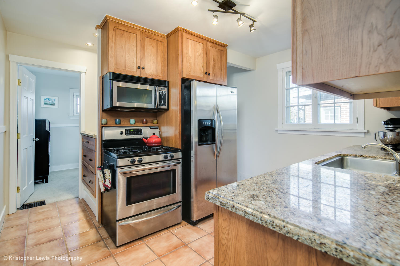 1607 Bellaire St Denver CO-large-010-51-Kitchen1-1500x1000-72dpi.jpg