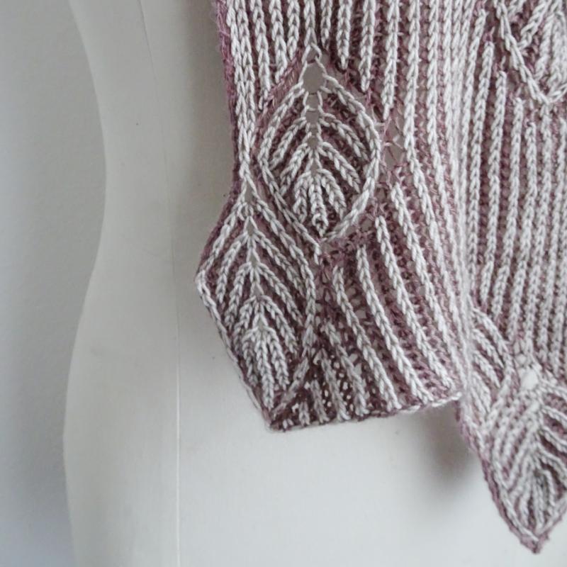 Frail scarf