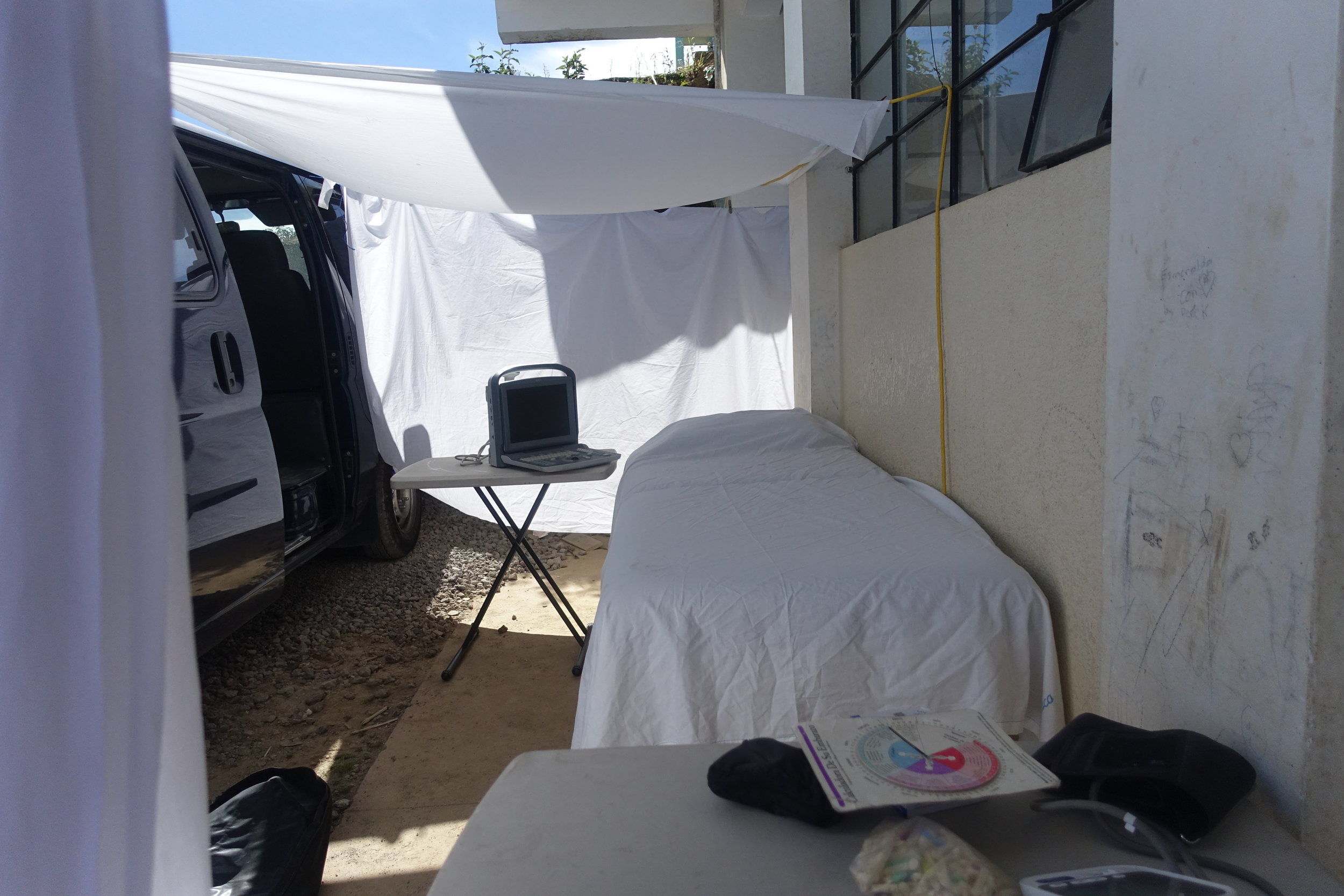 Mobile clinic set up in Tuil Canabaj