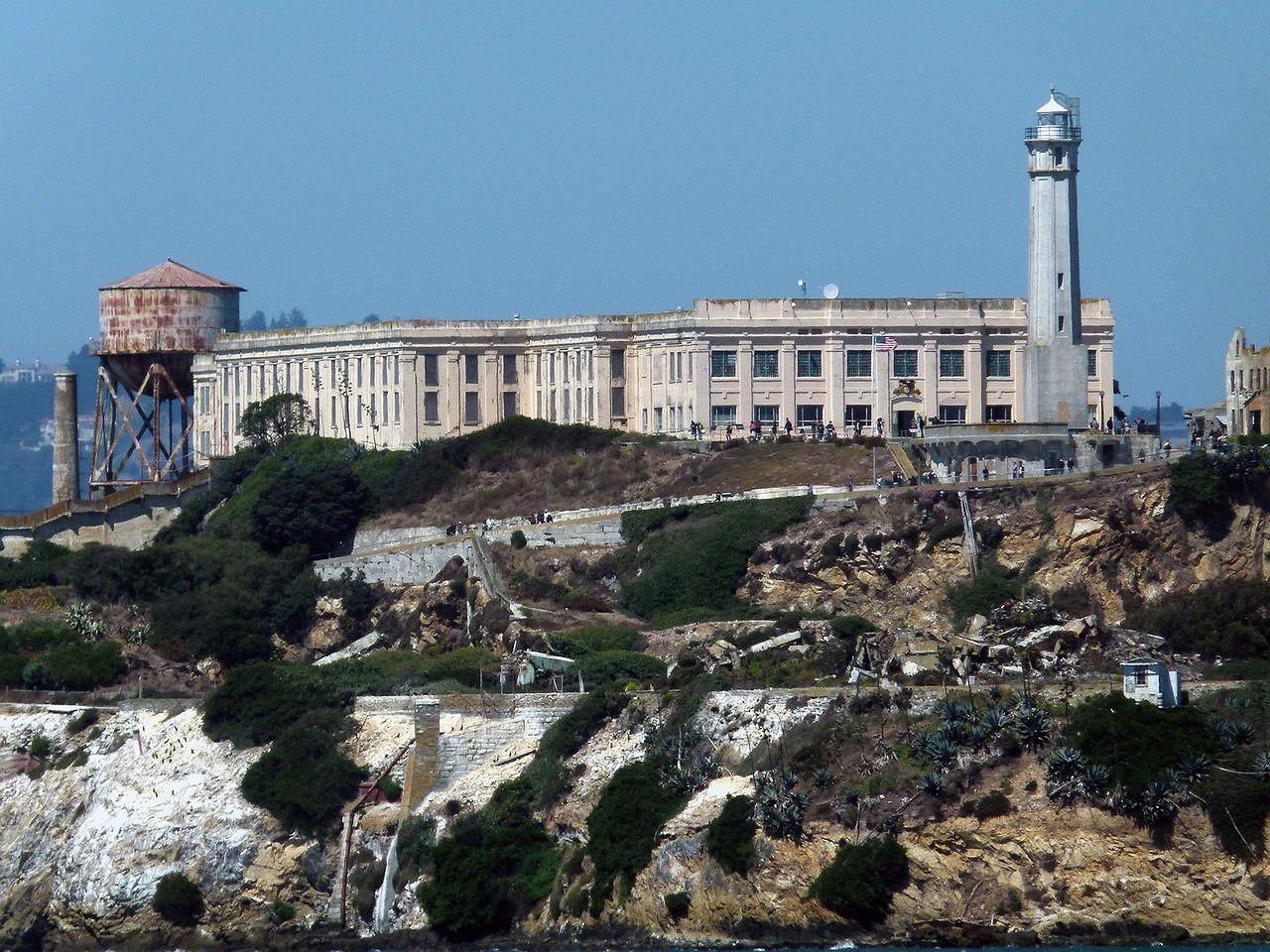 Alcatraz, the famous island prison-turned-tourist-attraction, runs on a micro grid.