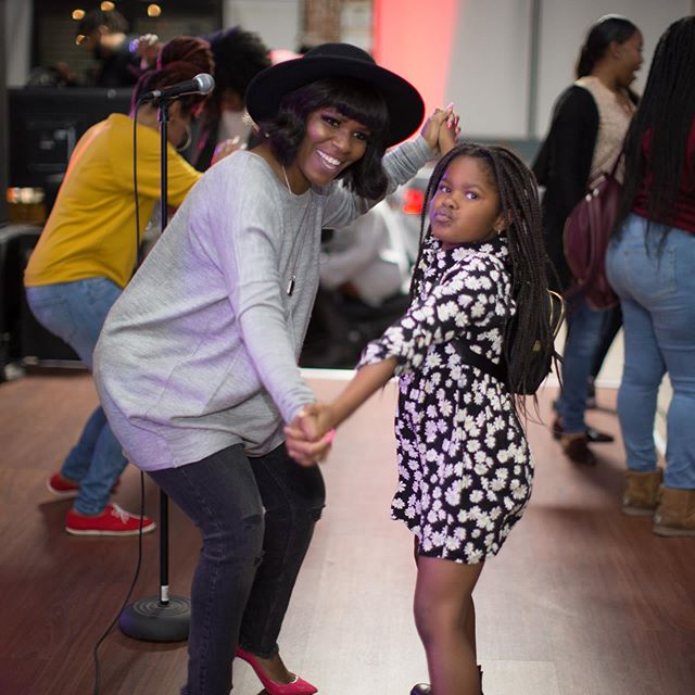 @caddychaney is always down for the get down! We are dancing into the weekend like 💃🏾 💃🏾