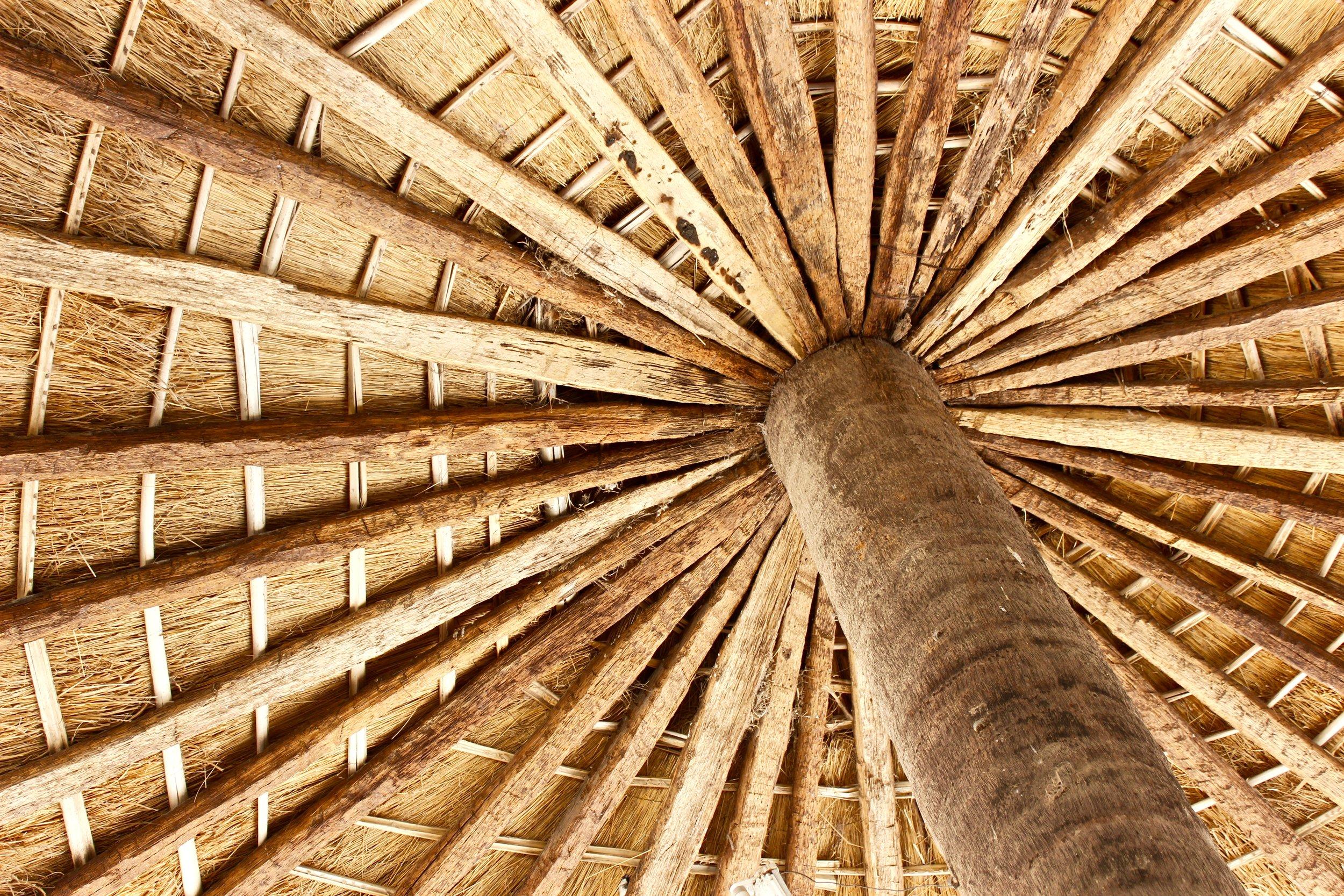 círculos esenciales - Plantamos iglesias como construimos techos de paja: en círculos esenciales.