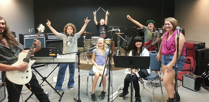 We offer private music lessons and band lessons for Guitar, voice, piANo, drums and Bass.