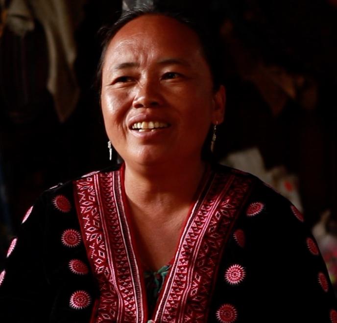 Jua Nia Yong Kwa Toh - Hmong Midwife, Thailand