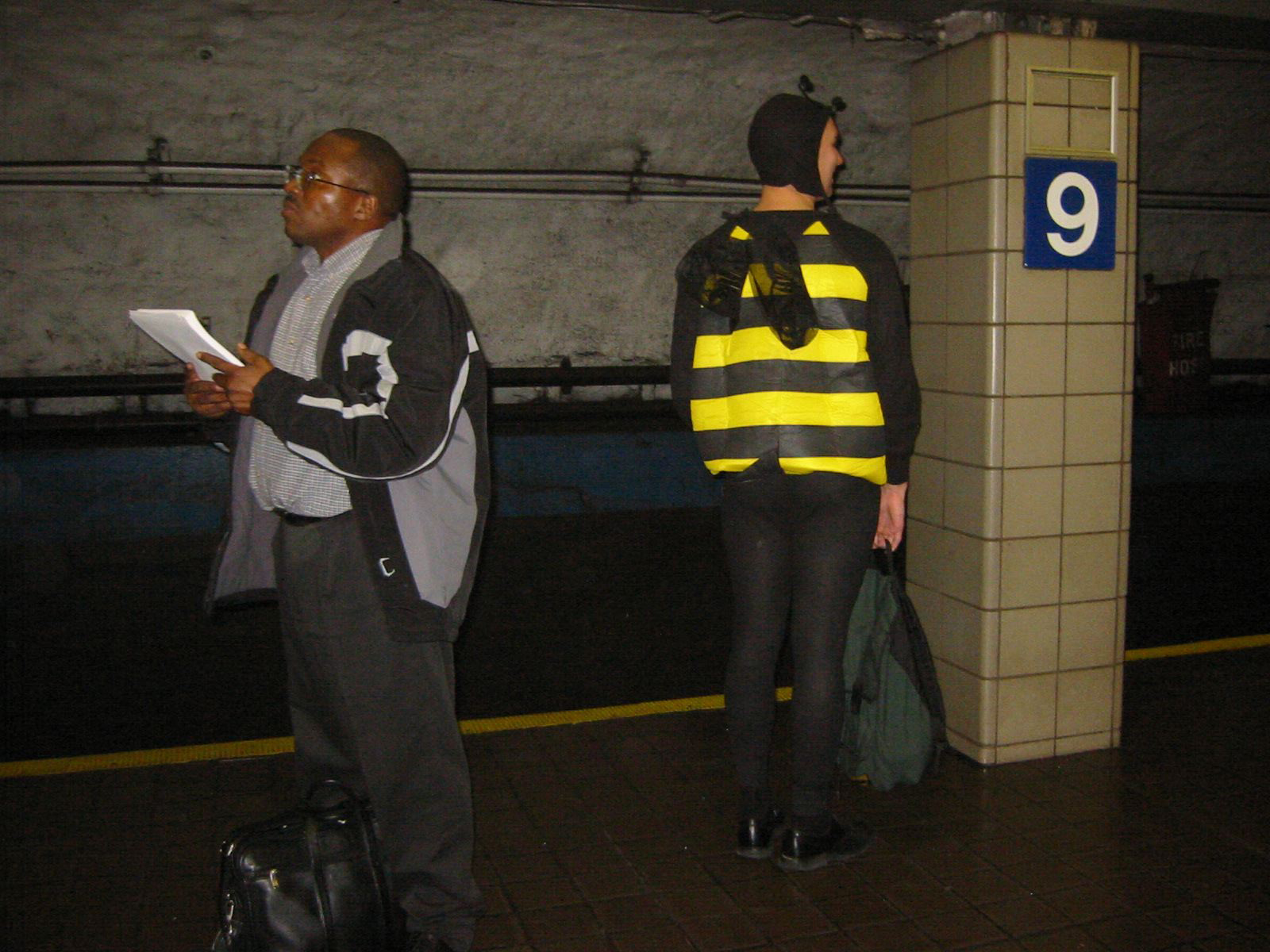 Bee-on-P-Halloween-2003.jpg