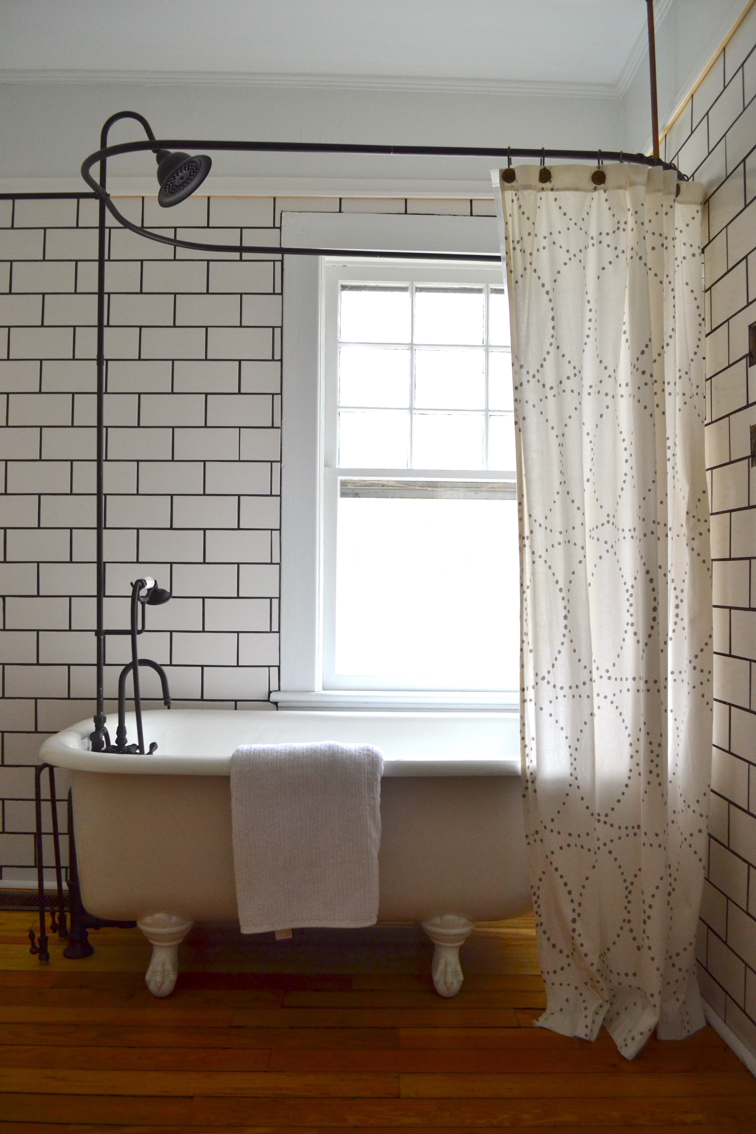 clawfoot tub shower curtain - Clever Small Living Room ...