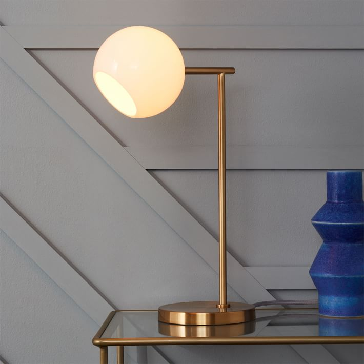 Chic-office-accessories-lamp