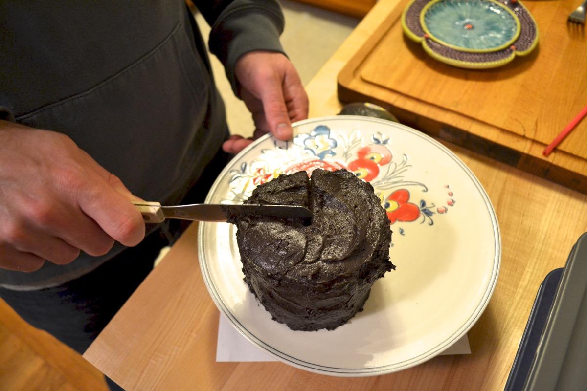 Chocolate-buttercream-frosting-easy-homemade4.jpg