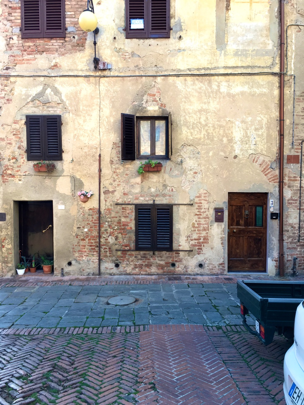 A typical scene in Certaldo Alto where we stayed for our time in Tuscany.