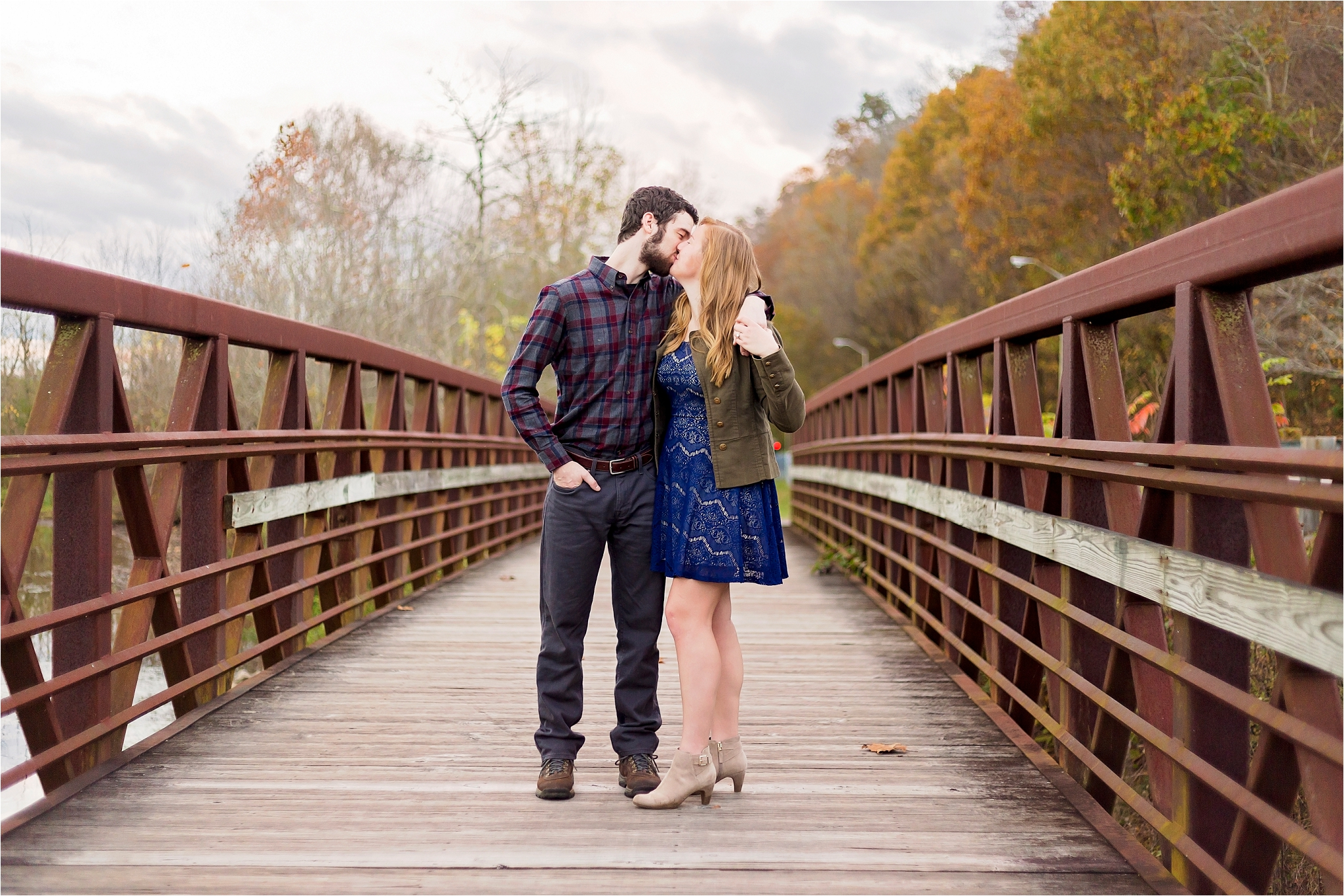 lakeside_fall_engagement_oak_ridge_005