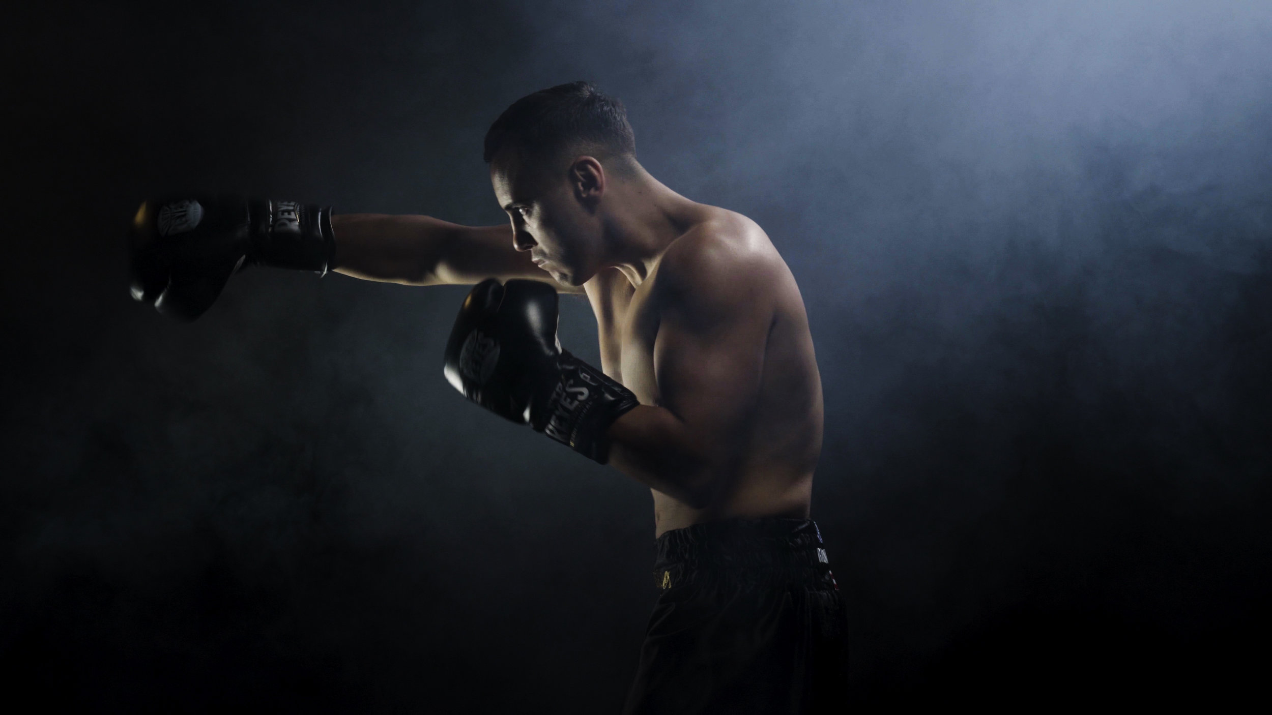 Ricky Colosimo - Online ContentMedia: Stills & VideoRicky is a fighters fighter with heart and speed. He trains with desire and fights like there is no tomorrow.