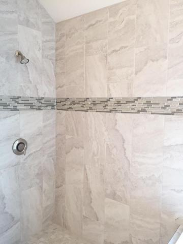 Tile_Shower_Lot_1203.jpg