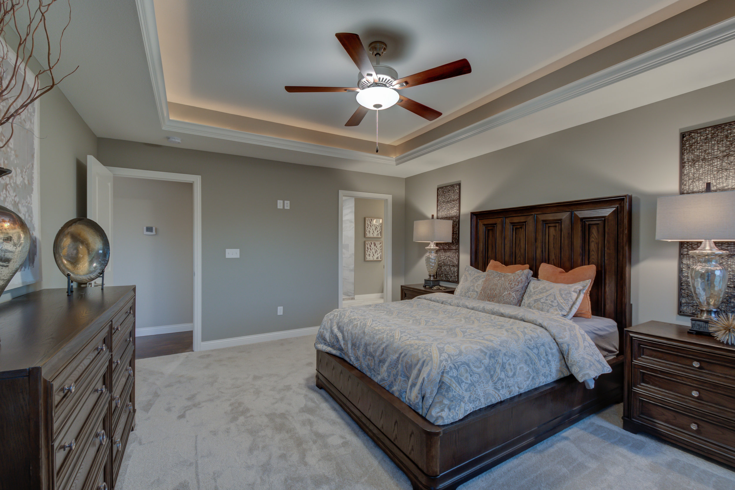 Large_Master_suite_Homes_For_Sale.jpg