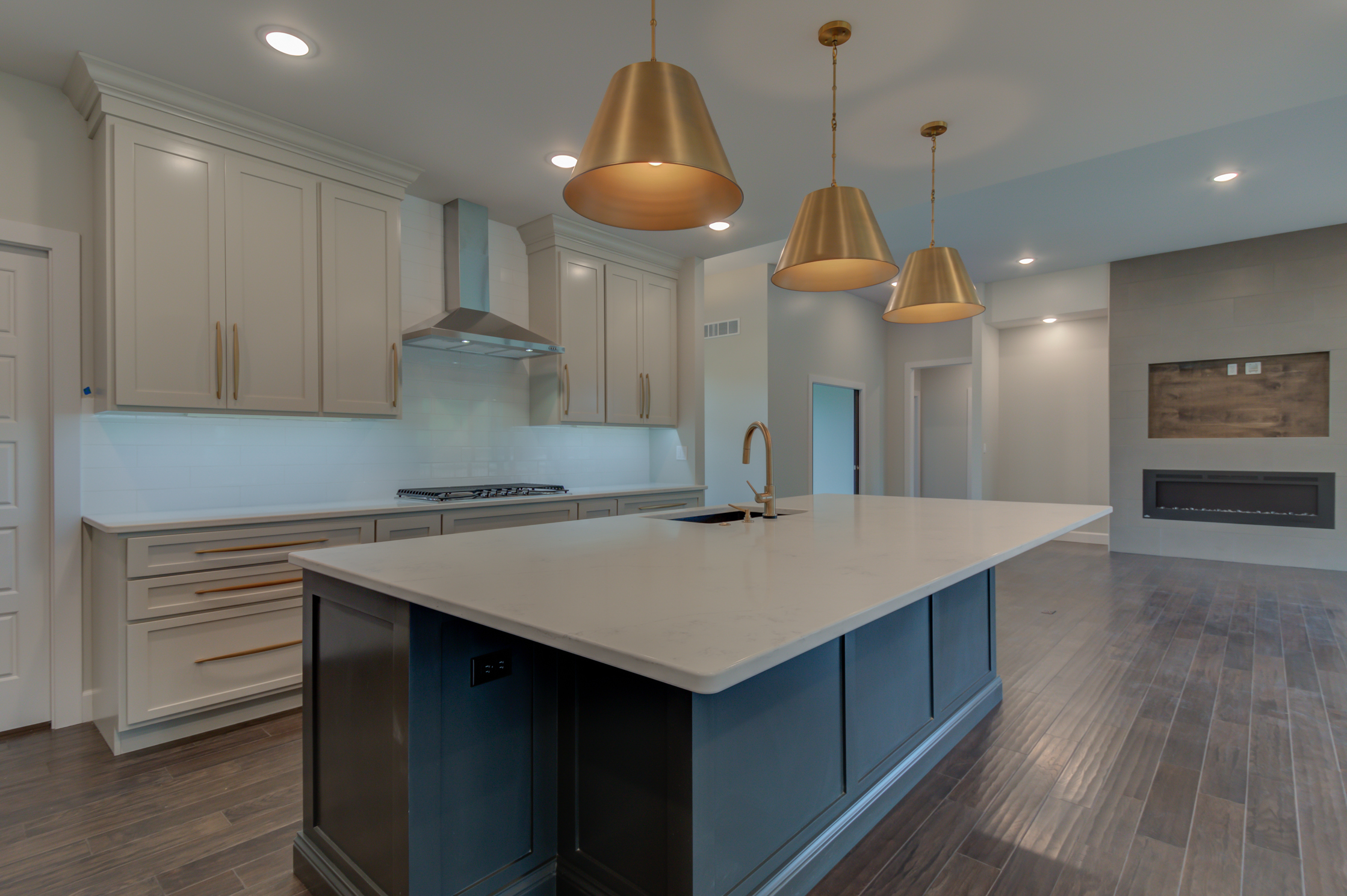 Kitchen_Custom_New_Home_Lighting.jpg