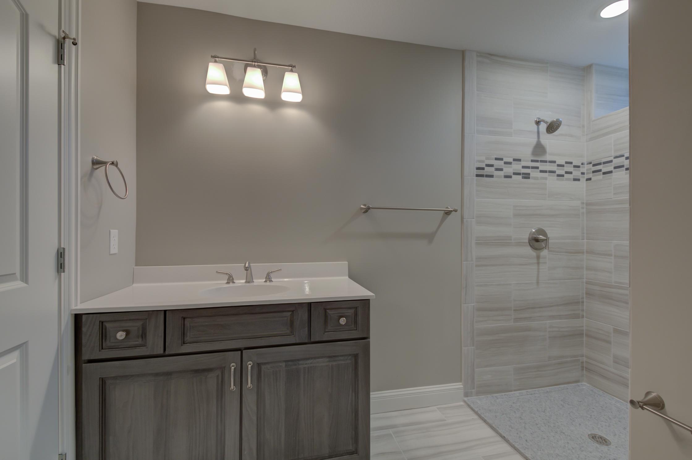 Basement bath 3.jpg