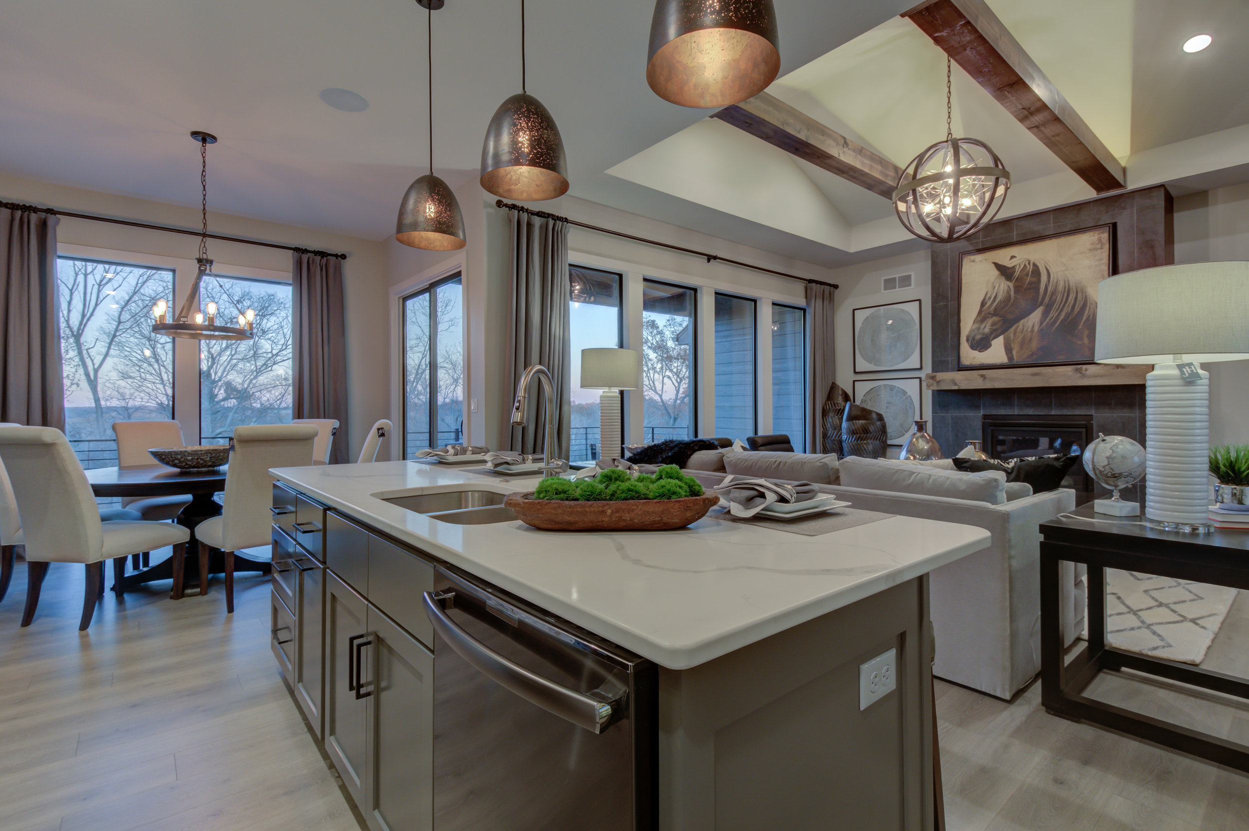 501 Red Feather Ct-31.jpg