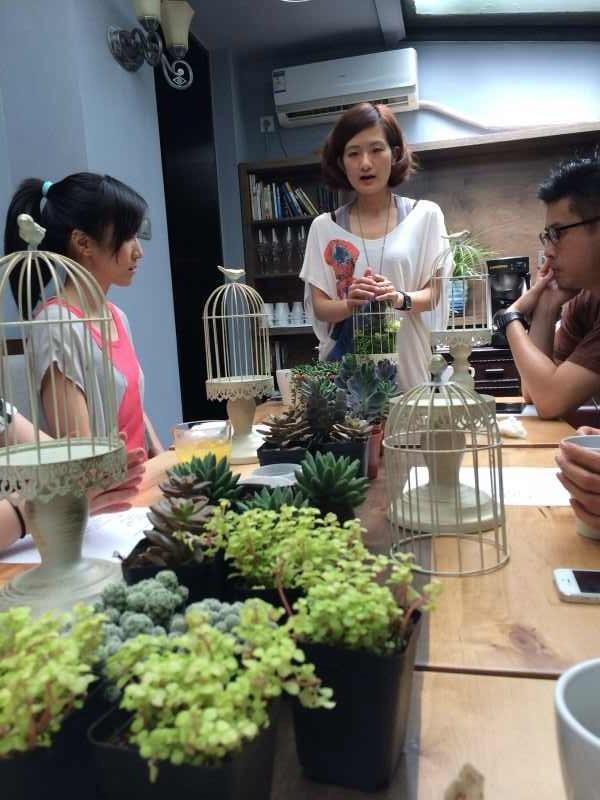 Floral-design class